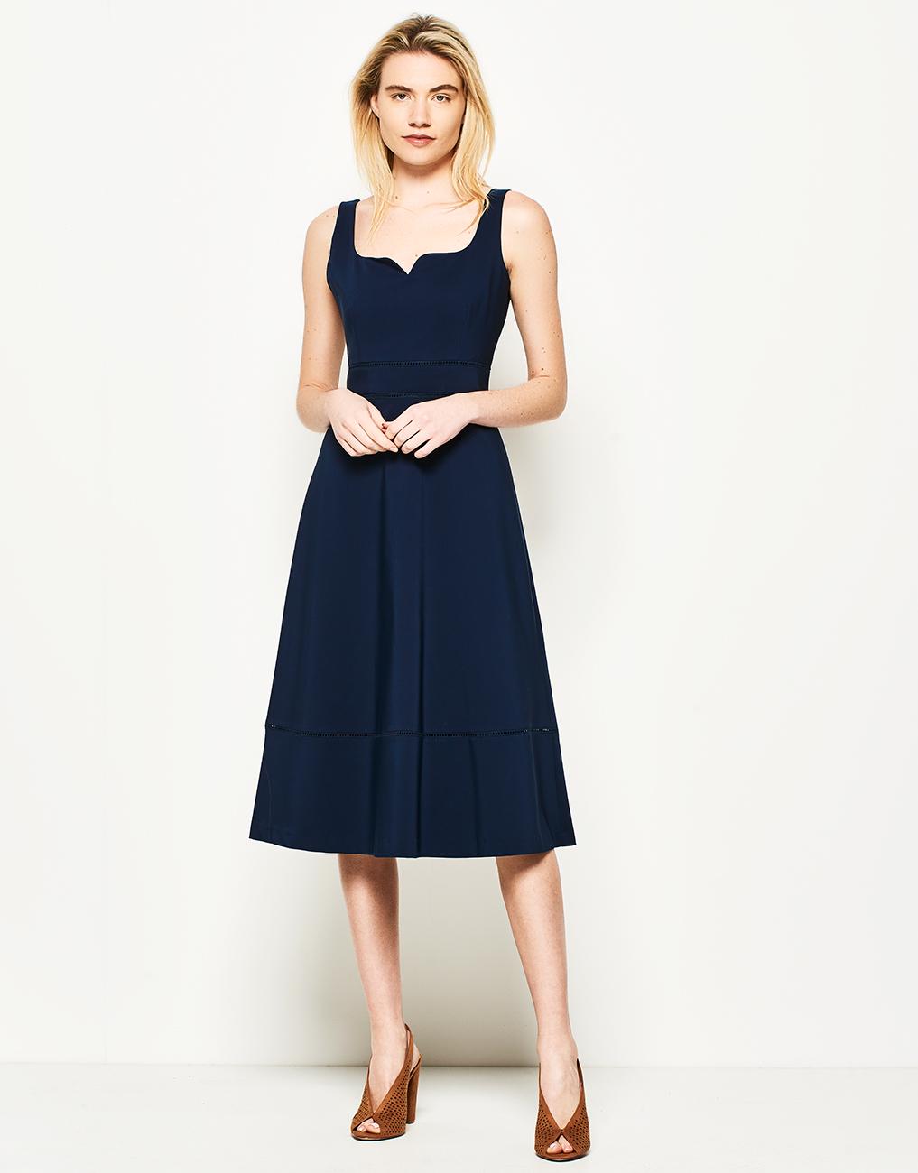 Lynne Αμάνικο εβαζέ φόρεμα - Glami.gr ed23c8e97a3