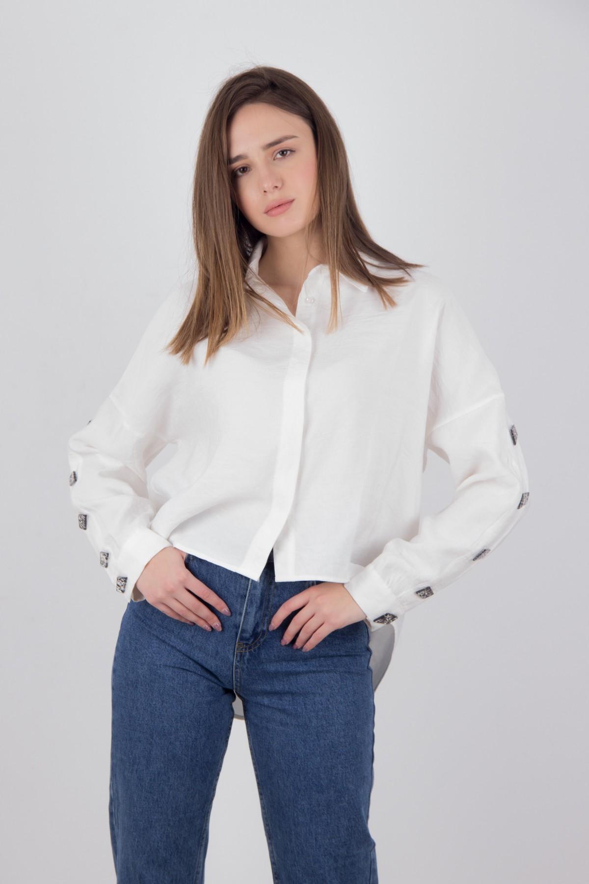 da9c718ac63e ONAGE Γυναικεία πουκαμίσα με διακοσμητικά κουμπιά ΕΚΡΟΥ - Glami.gr
