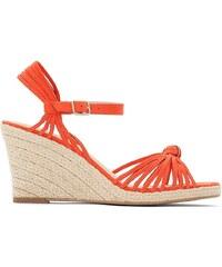 829786cc5bb Καλοκαιρινά Γυναικεία παπούτσια με πλατφόρμα από το κατάστημα ...