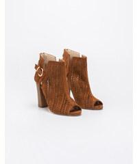 8026c26989c Καφέ Γυναικεία παπούτσια | 11.240 προϊόντα σε ένα μέρος - Glami.gr