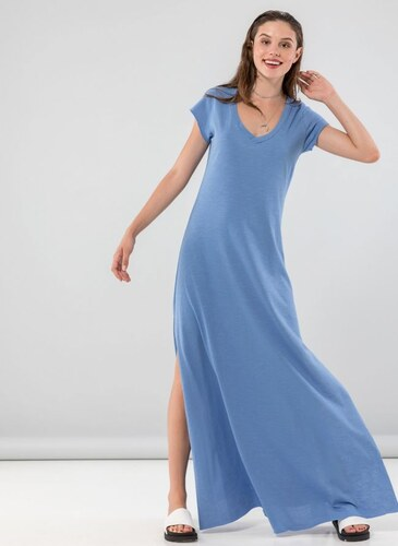 6340918728b8 NAIBA Maxi φόρεμα με λαιμόκοψη - 05195018 - Γαλάζιο - Glami.gr
