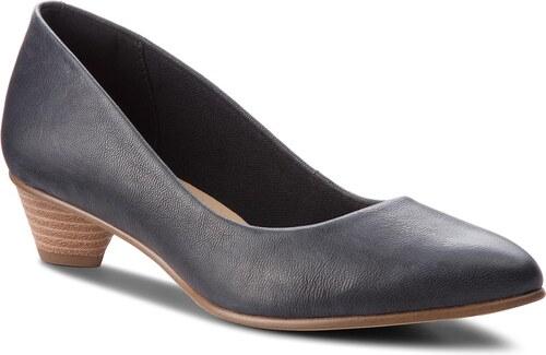 Κλειστά παπούτσια CLARKS - Mena Bloom 261324024 Black Leather - Glami.gr eb5e10780d0