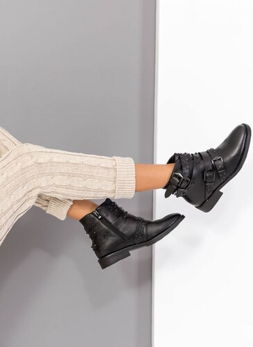 9b832f77196 The Fashion Project Μποτάκια αστραγάλου με ζωνάκια και μαύρα μεταλλικά  στοιχεία - Μαύρο - 002