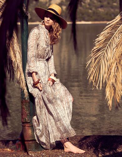 9c6b6043821c Lynne Φόρεμα με τύπωμα φίδι και λούρεξ - Glami.gr